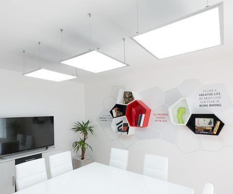m2c-office-kancelarija-instalacija-polica-shelf-interior-design-enterijer-dizajn-Voronoi-diagram
